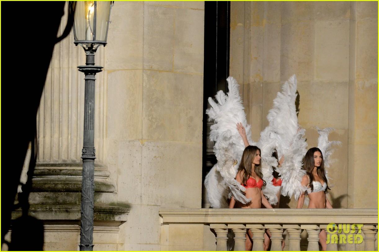 behati prinsloo lily aldridge vs angels louvre shoot 17