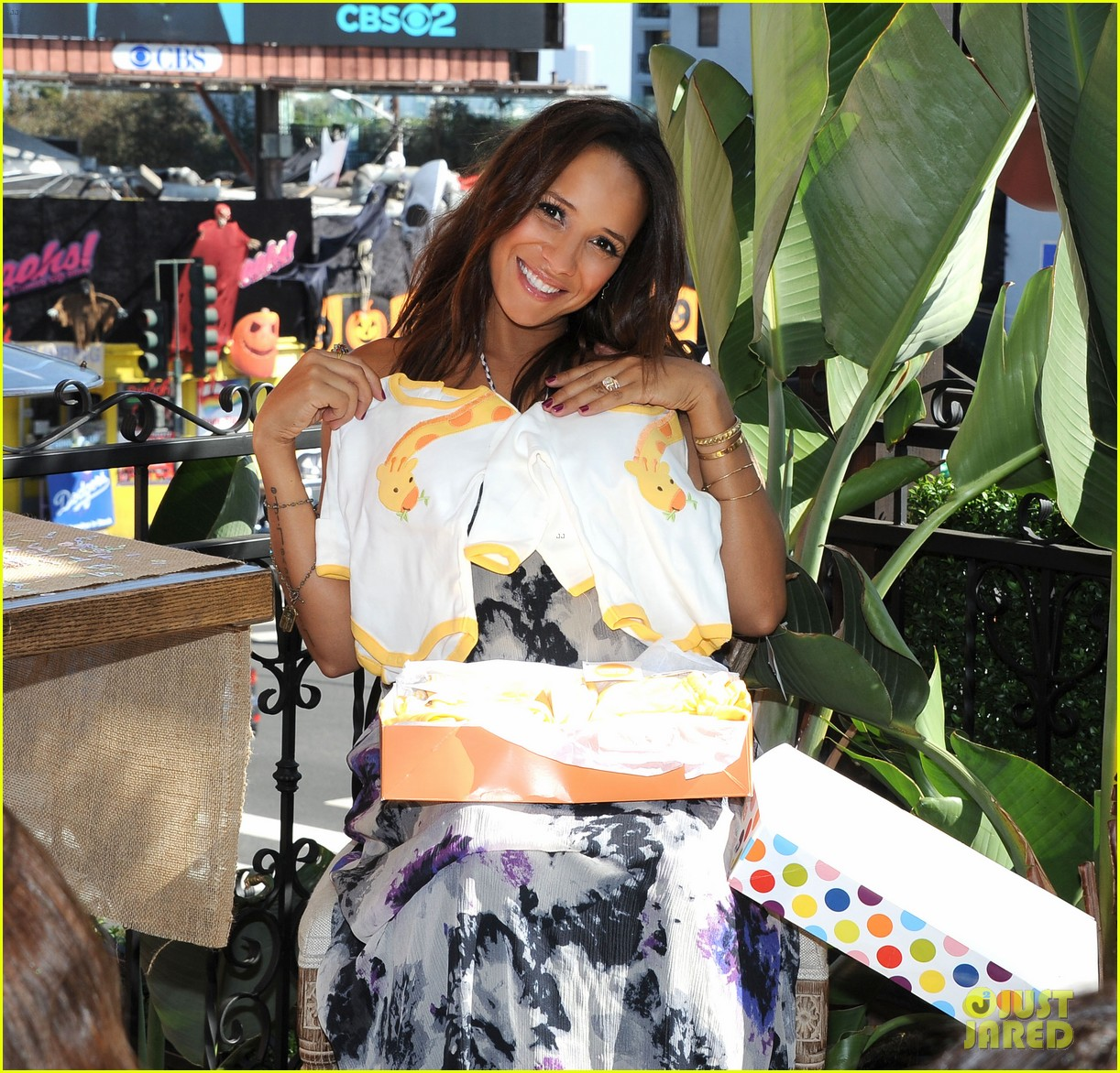 dania ramirez baby shower with devious maids ladies 06