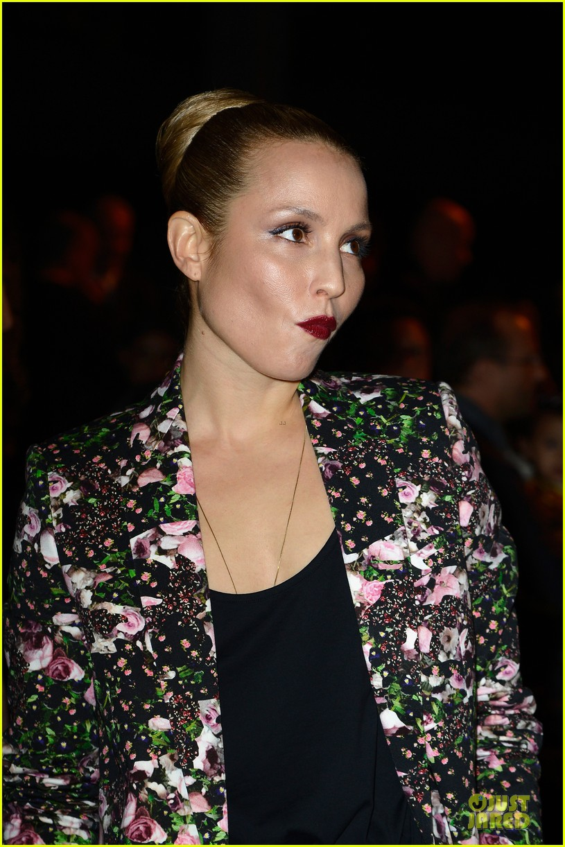 noomi rapace giambattista valli givenchy fashion shows 10