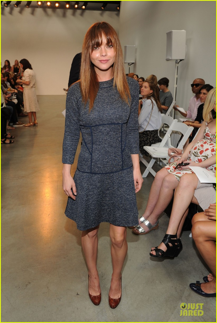rashida jones christina ricci thakoon fashion show 052947440