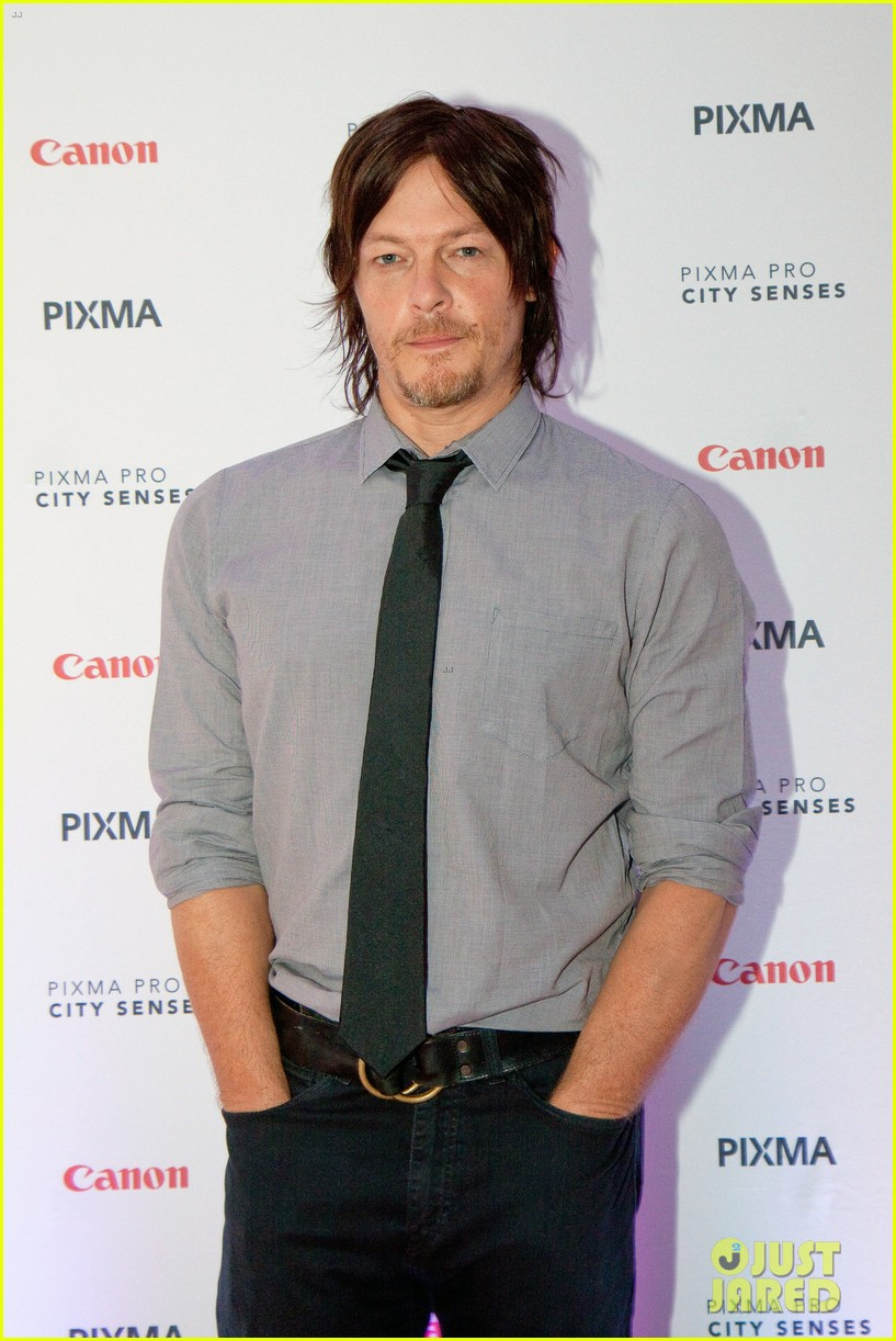 norman reedus canon pixma pro city senses gallery host 032960940