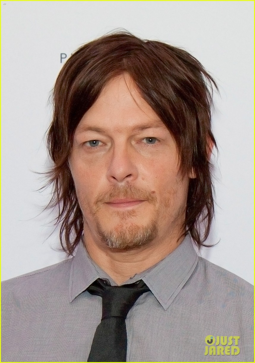 norman reedus canon pixma pro city senses gallery host 082960945