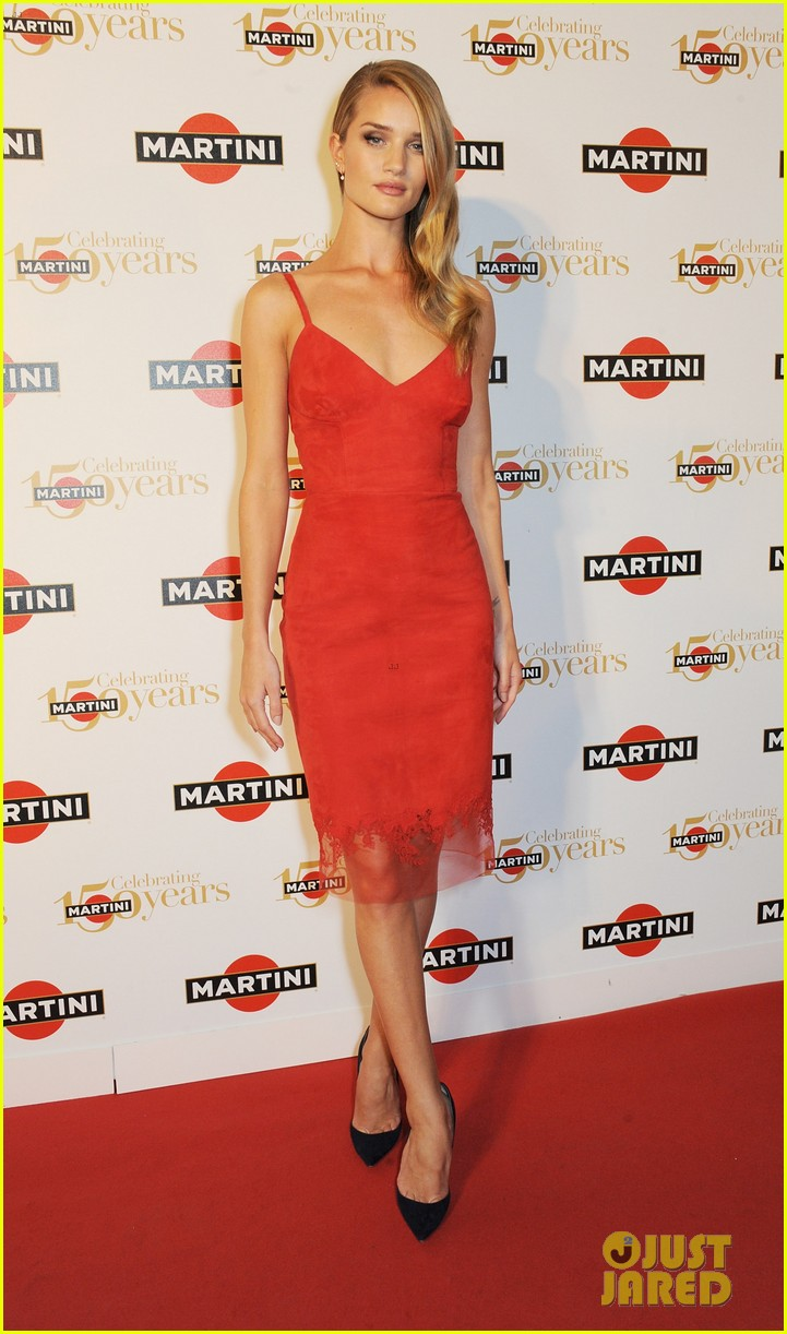 rosie huntington whiteley martini 150th anniversary gala 012955600