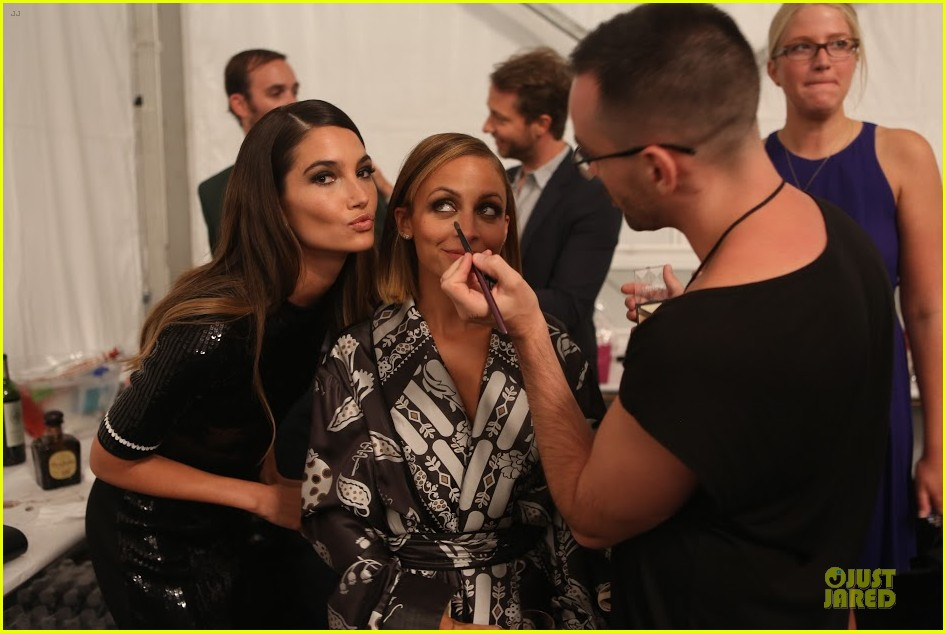 nicole richie style awards behind the scenes pics exclusive 04.