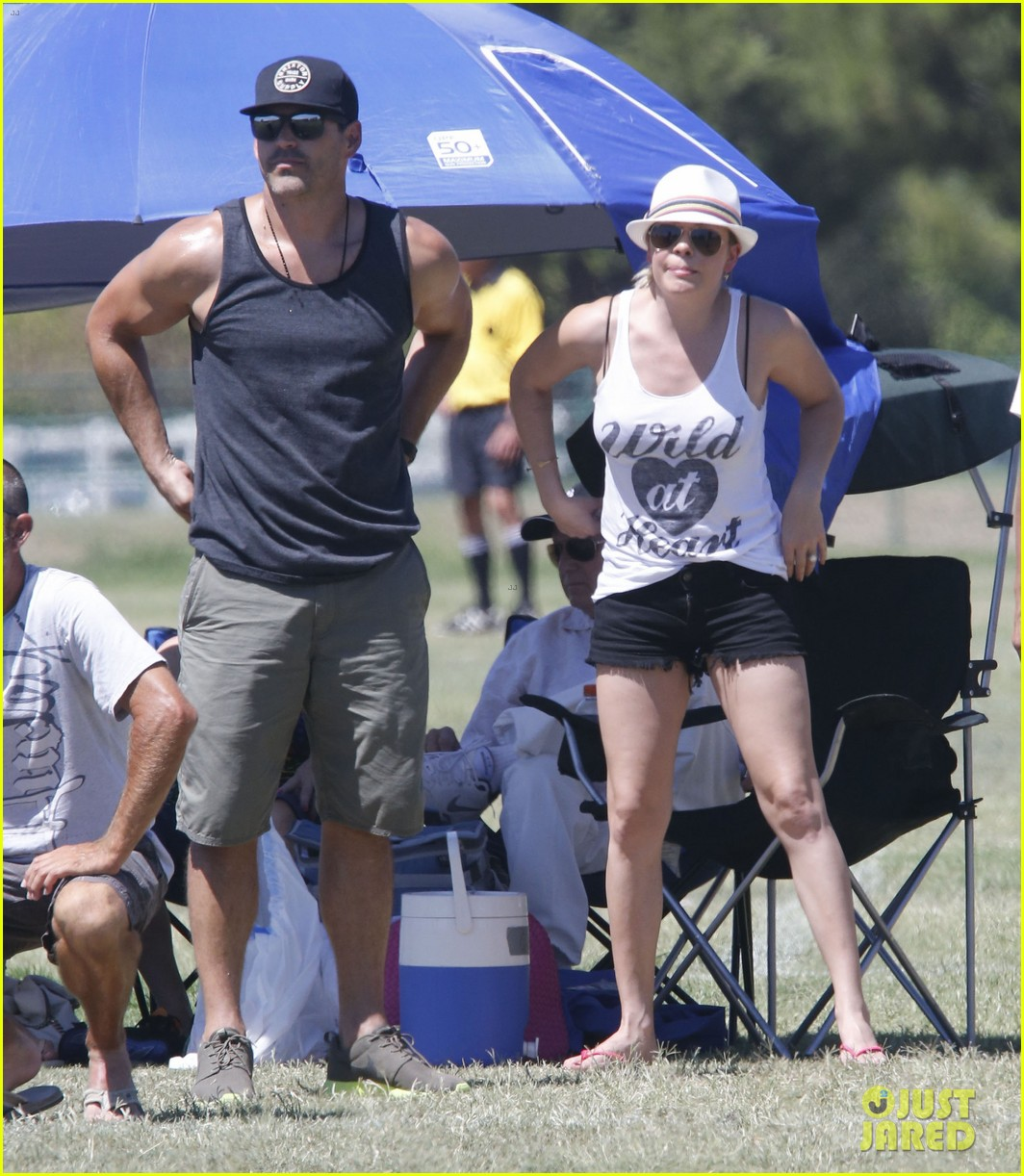 leann rimes eddie cibrian sweat it out at mason soccer game 082947067