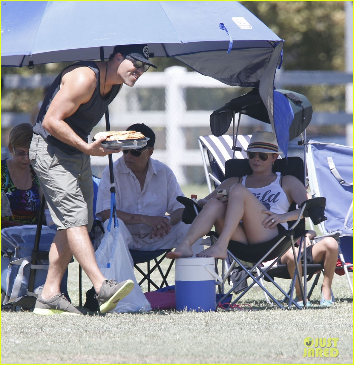 leann rimes eddie cibrian sweat it out at mason soccer game 132947072