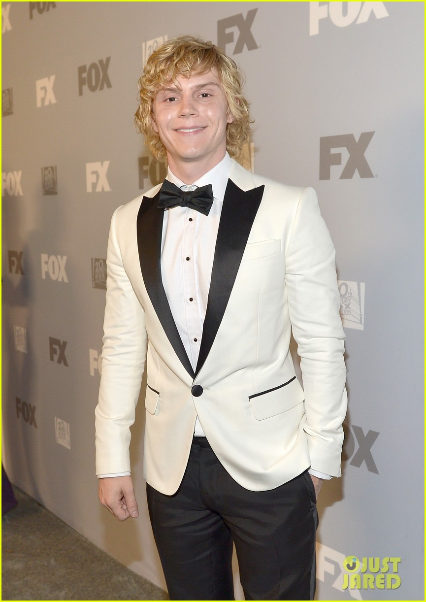 emma roberts evan peters fox emmys 2013 after party 12