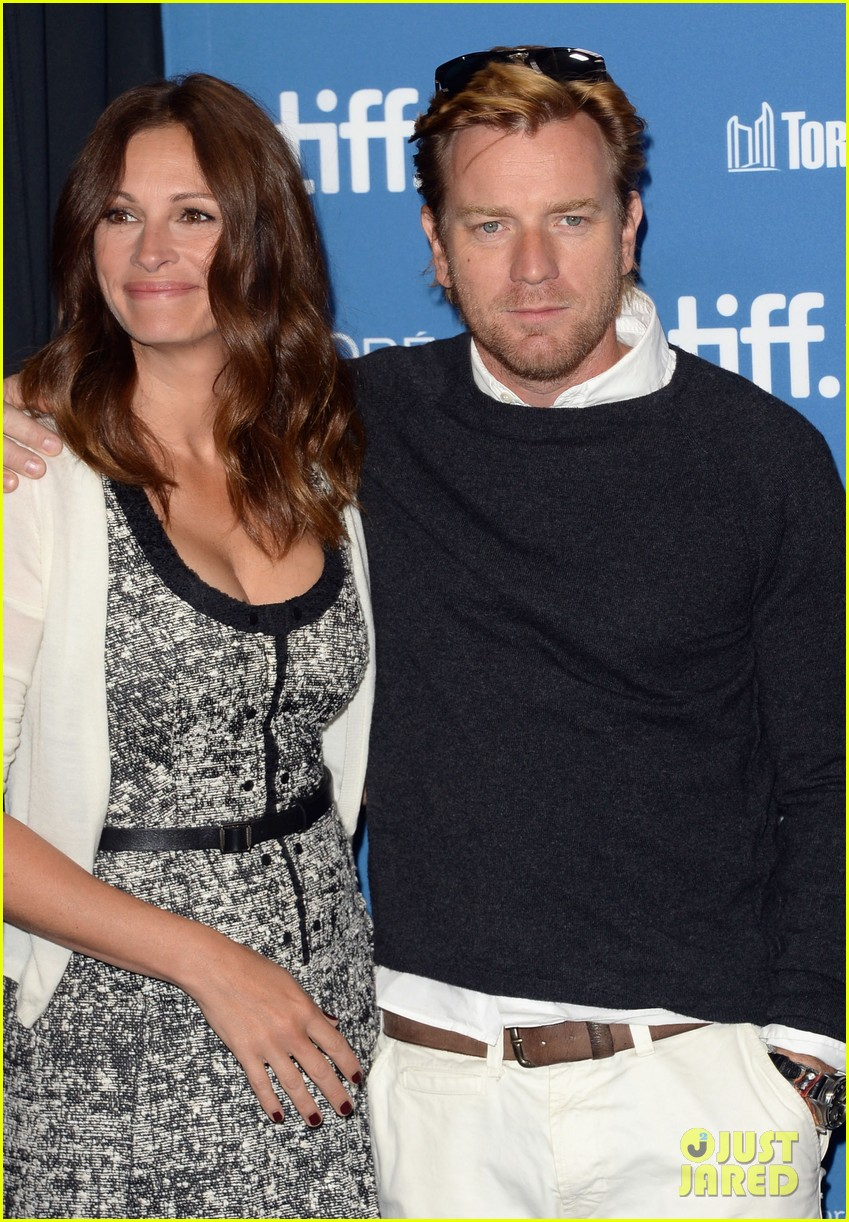 julia roberts ewan mcgregor august tiff portraits 04