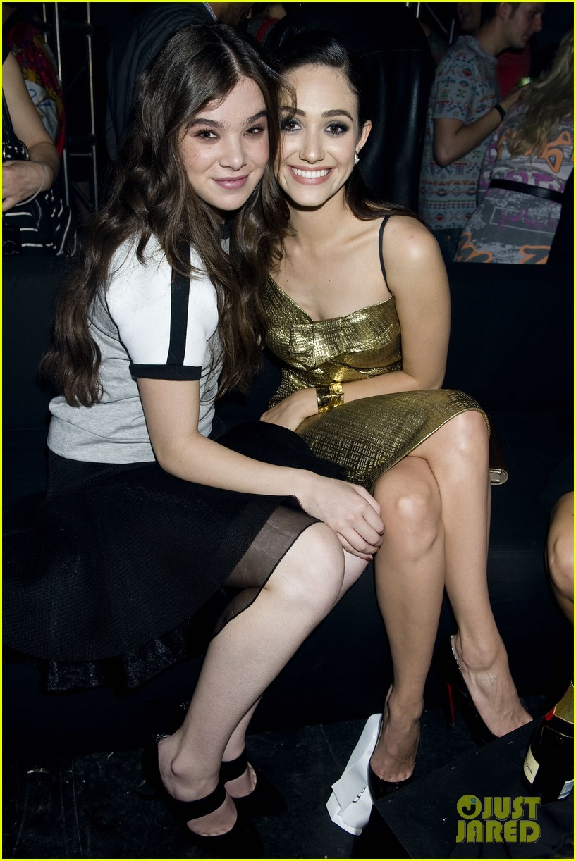 emmy rossum hailee steinfeld dkny party 042949193
