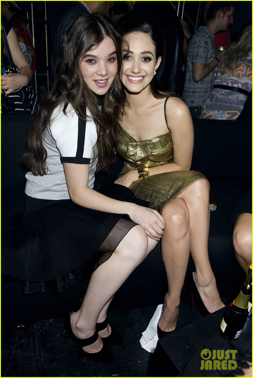 emmy rossum hailee steinfeld dkny party 17