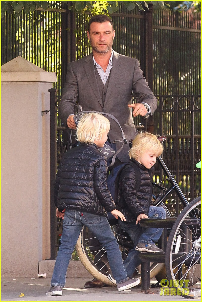 liev schreiber suits up for bike ride with his boys 06