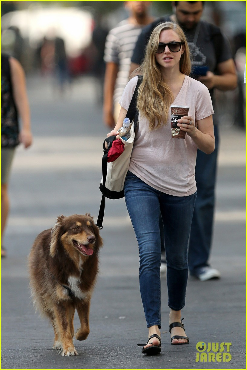 amanda seyfried immortality for her dog finn 08