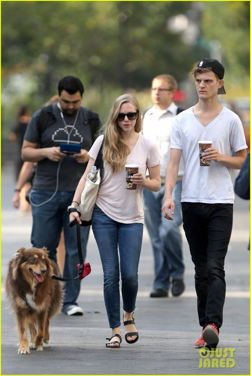 amanda seyfried immortality for her dog finn 102951326