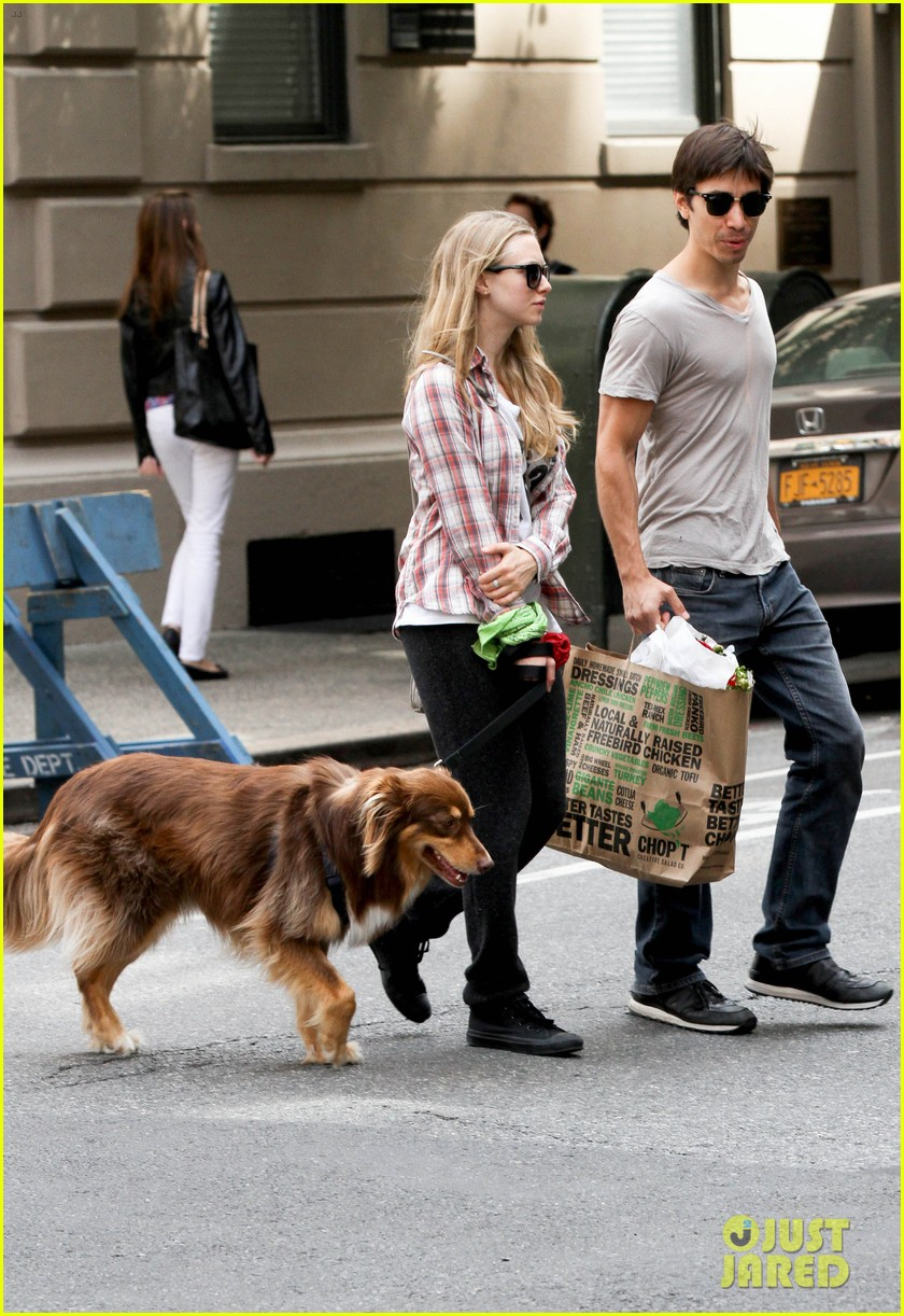 amanda seyfried justin long hold hands at us open finals 21