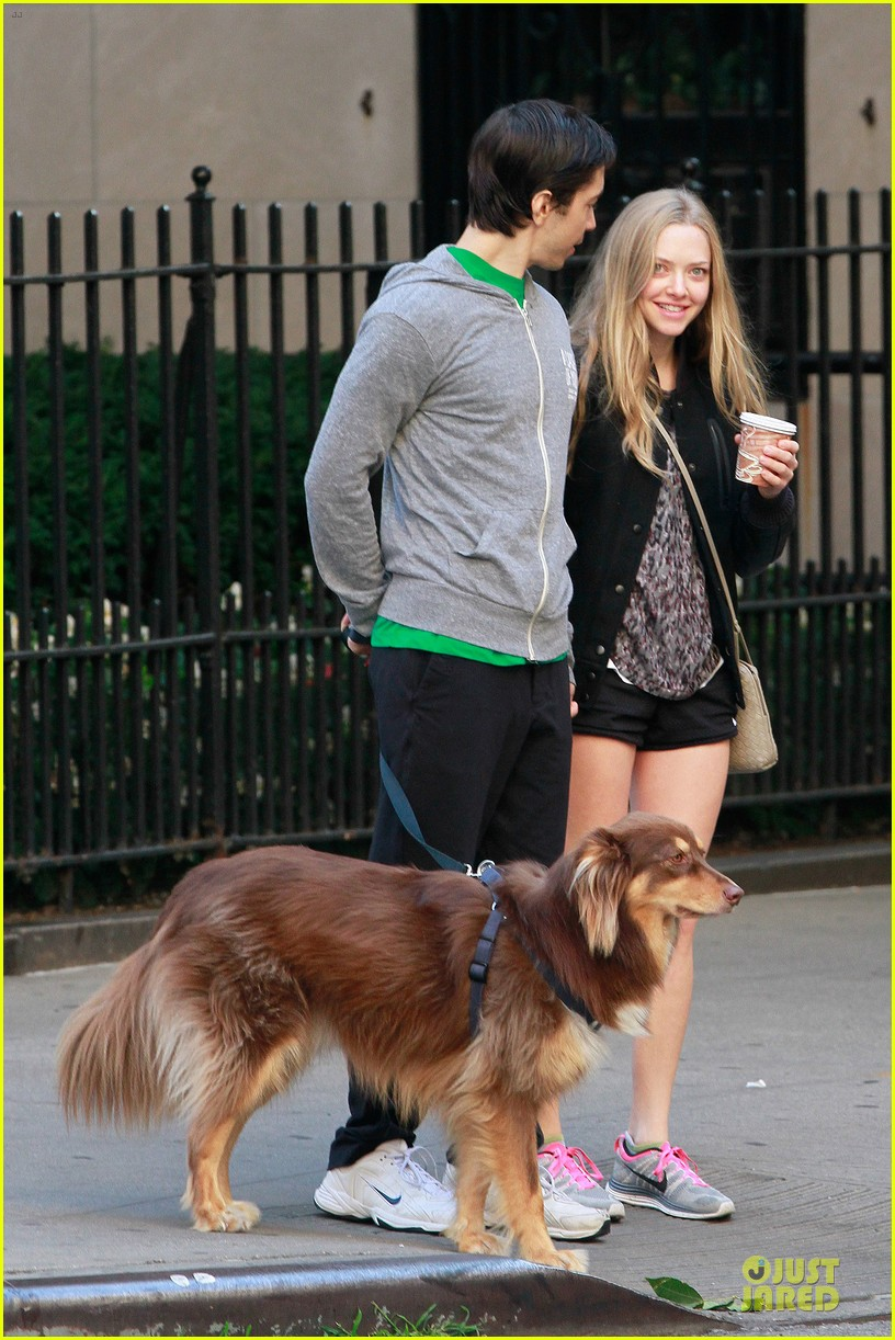 amanda seyfried flashes underwear while were young 09