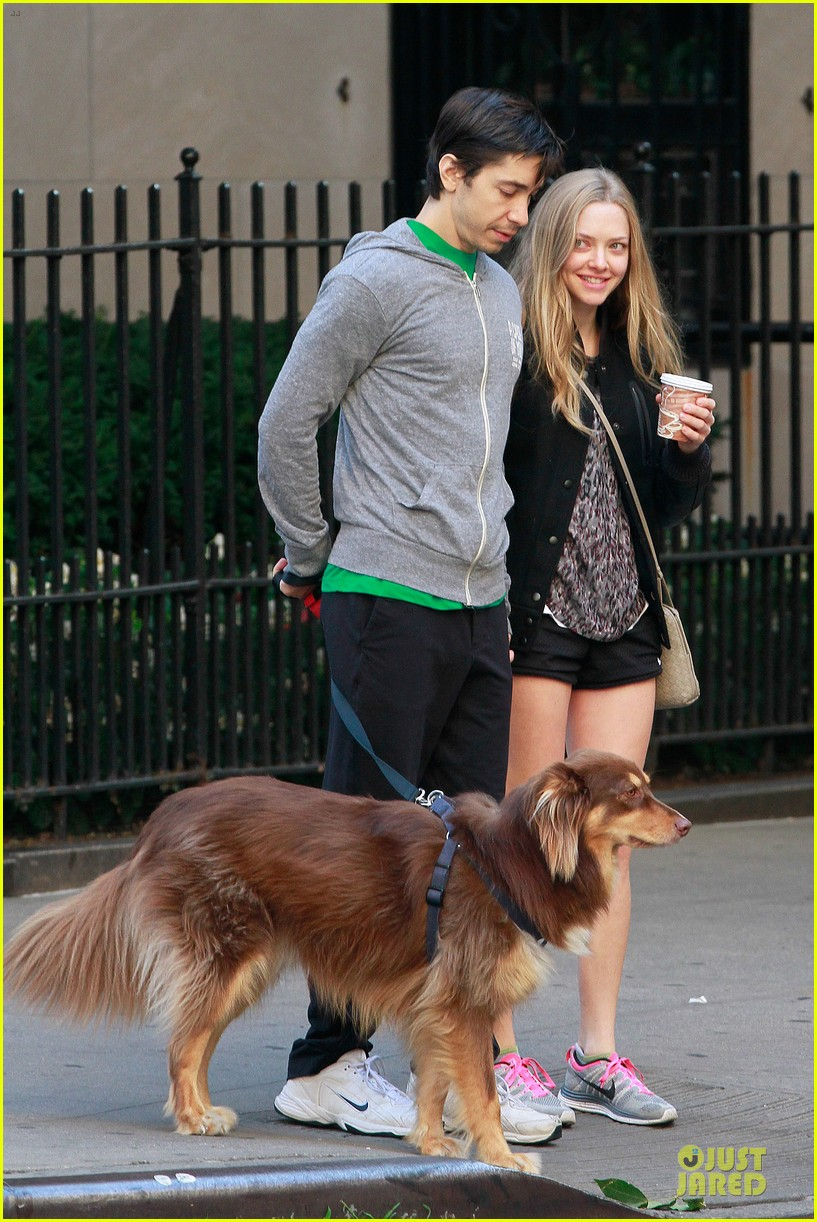 amanda seyfried flashes underwear while were young 182959524
