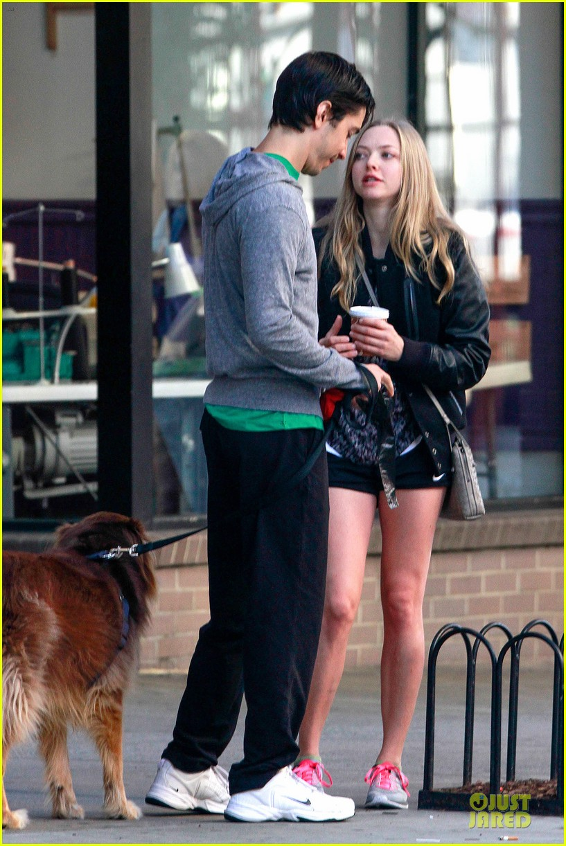 amanda seyfried flashes underwear while were young 20