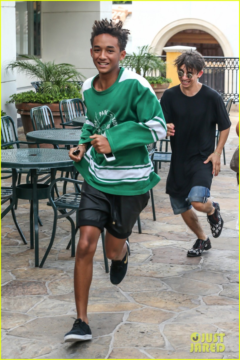 jaden smith moises arias run for sushi 06