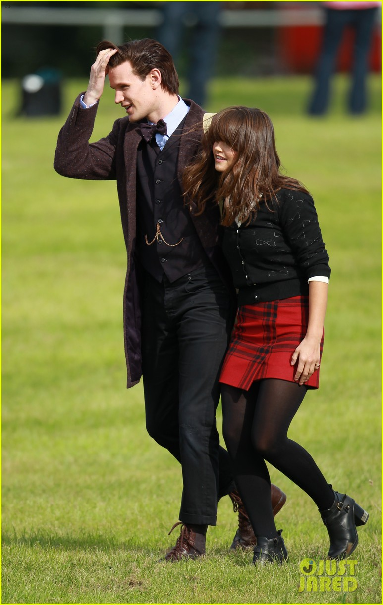 matt smith films doctor who christmas special with jenna coleman 21