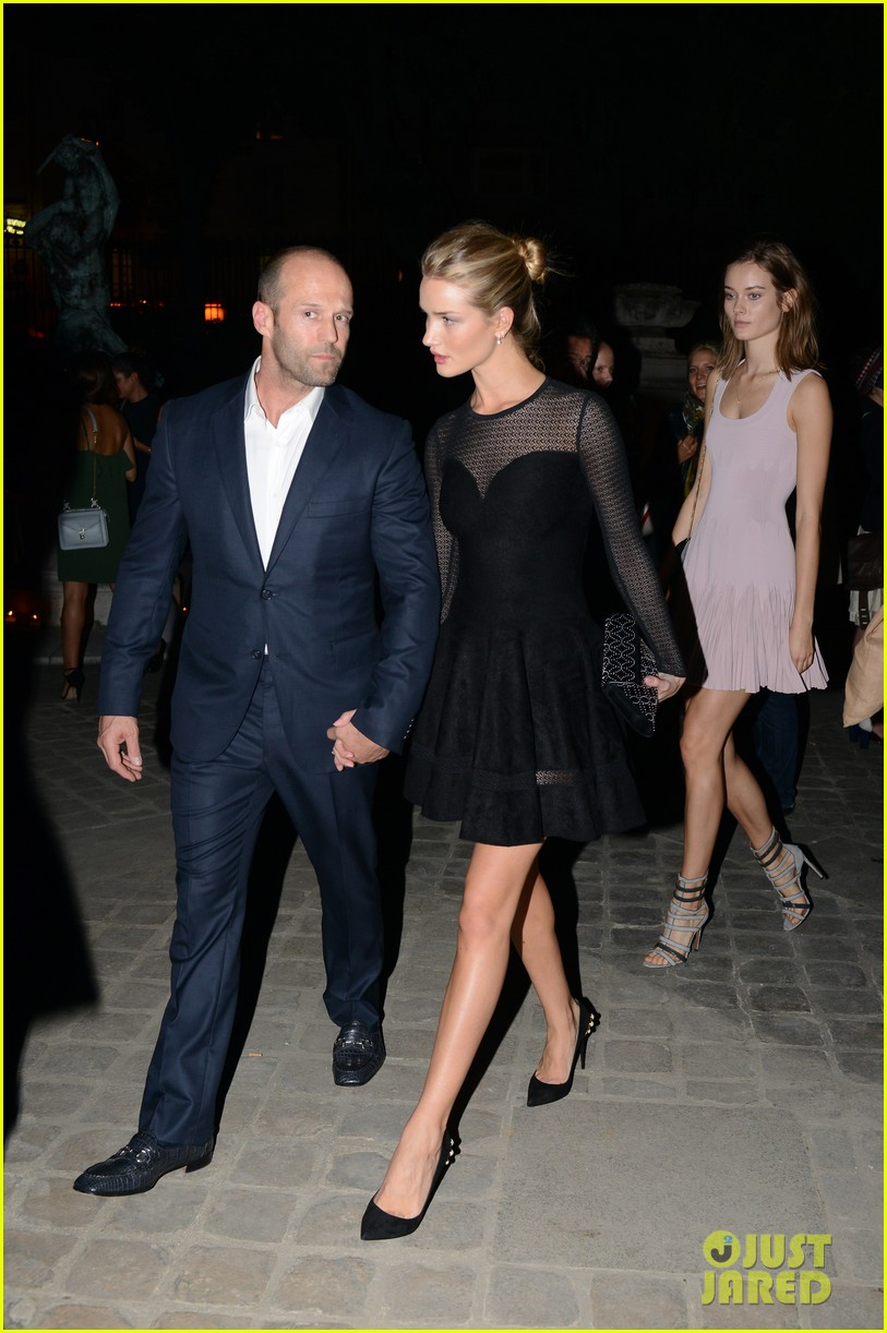 jason statham rosie huntington whiteley azzedine alaia paris fashion show 052959946