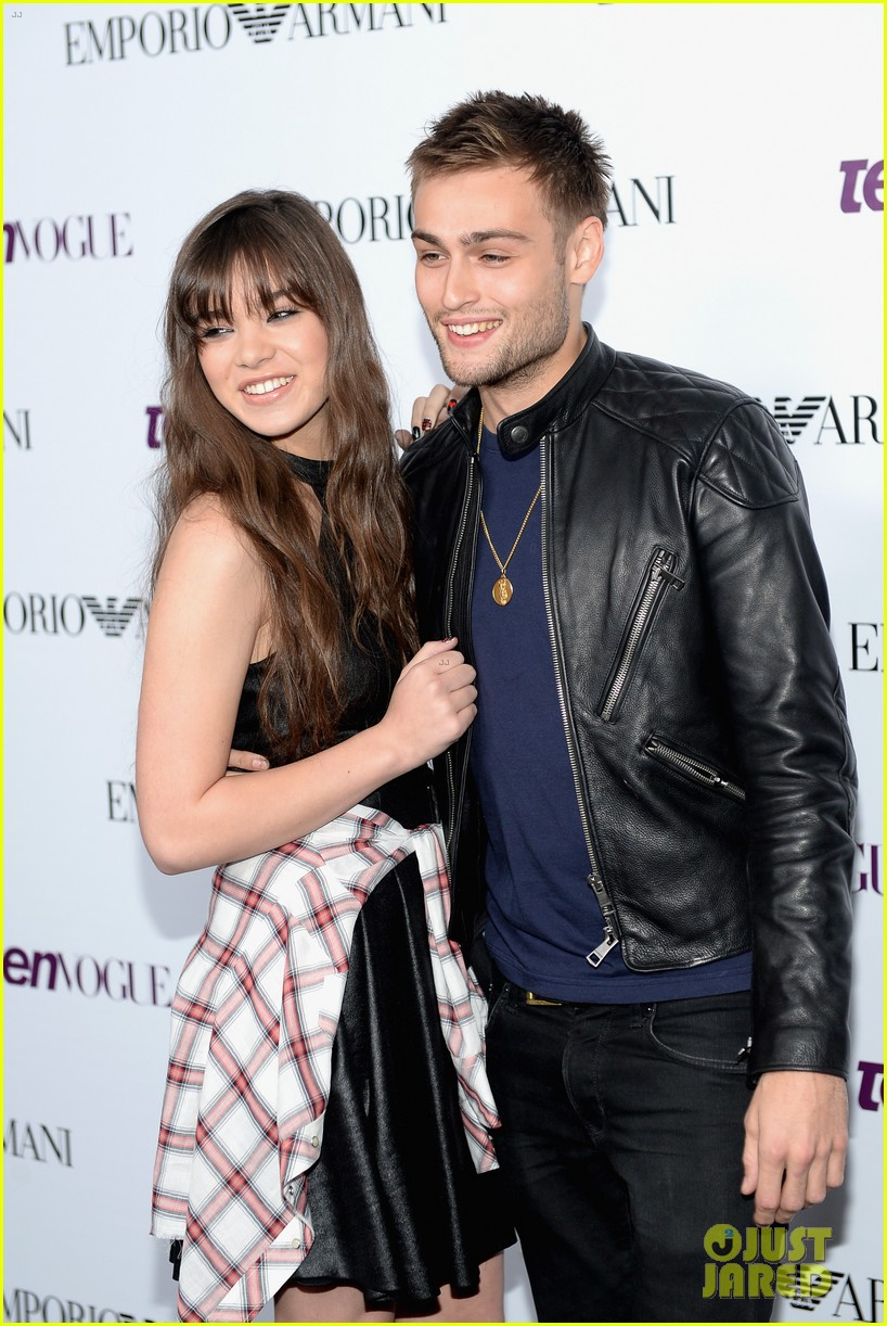 hailee steinfeld douglas booth teen vogue young hollywood party 2013 09