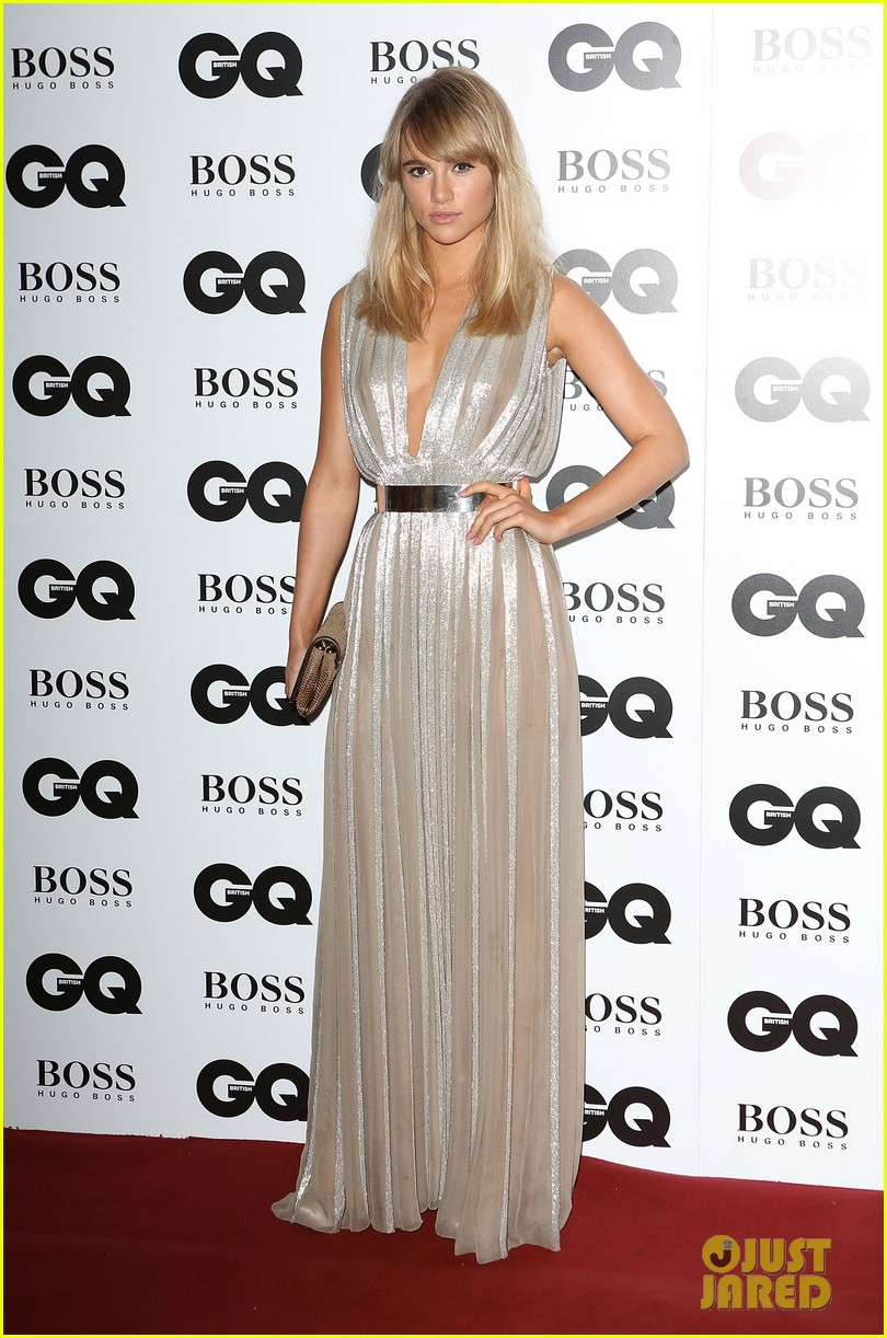 suki waterhouse gq men of the year awards 2013 01