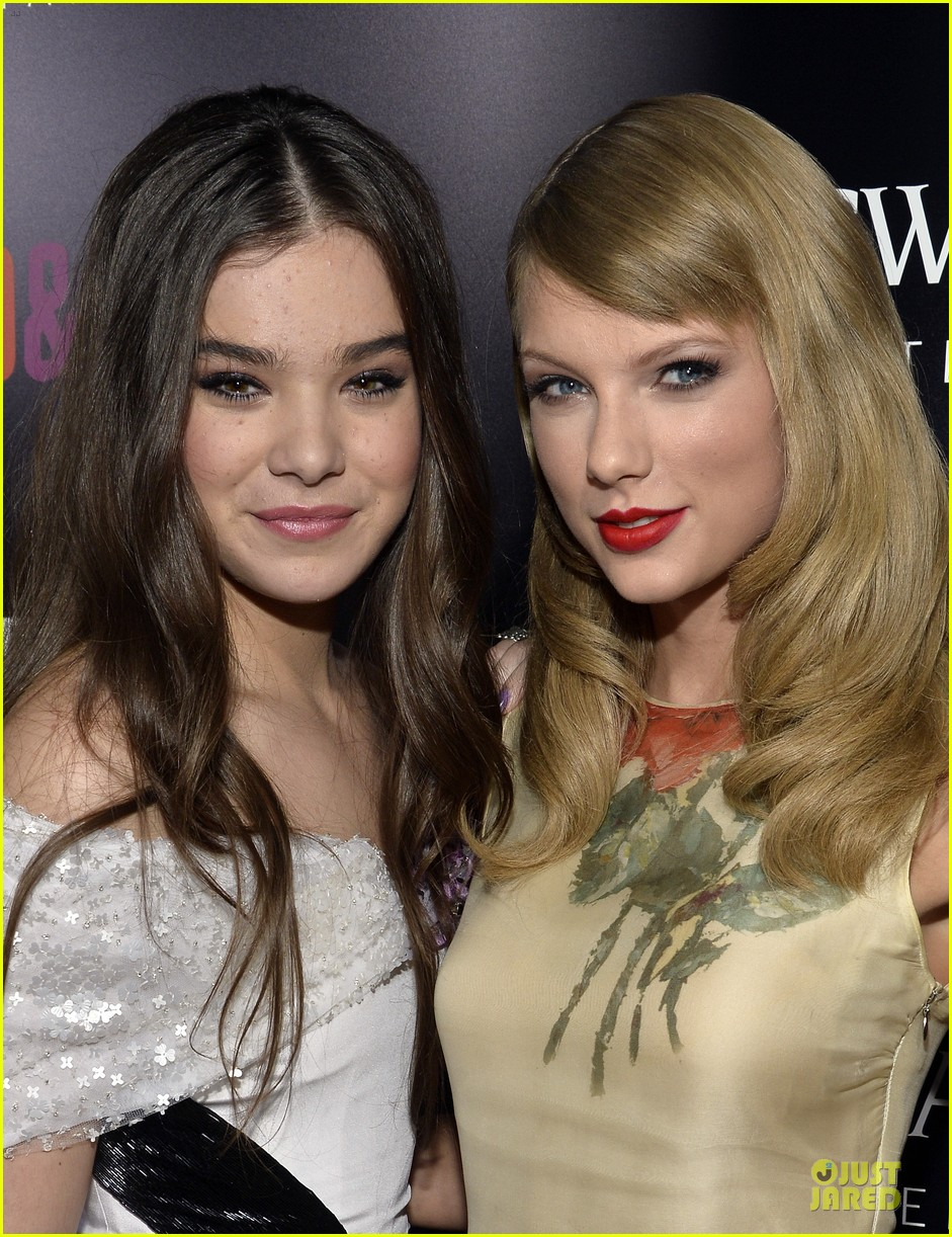 taylor swift supports bff hailee steinfeld at romeo juliet premiere 02