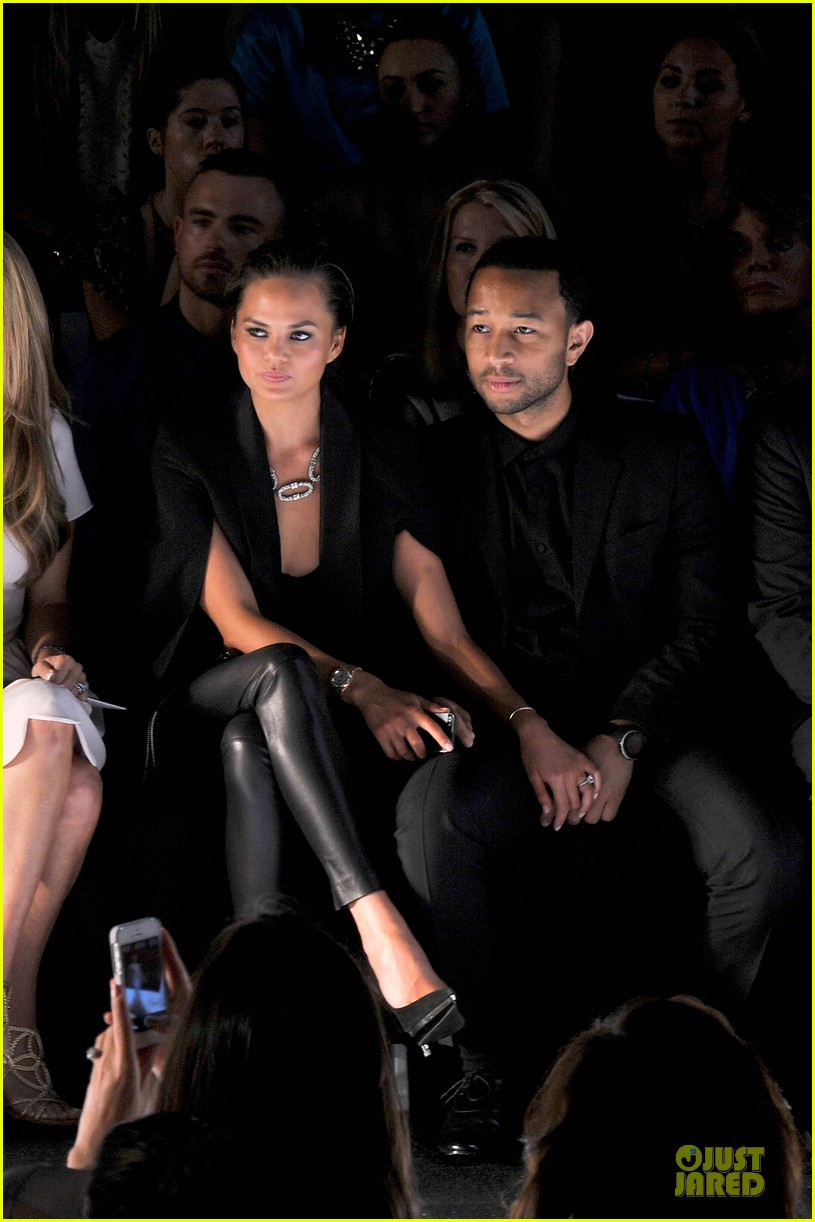chrissy teigen john legend vera wang badgley mischka fashion shows 202949576