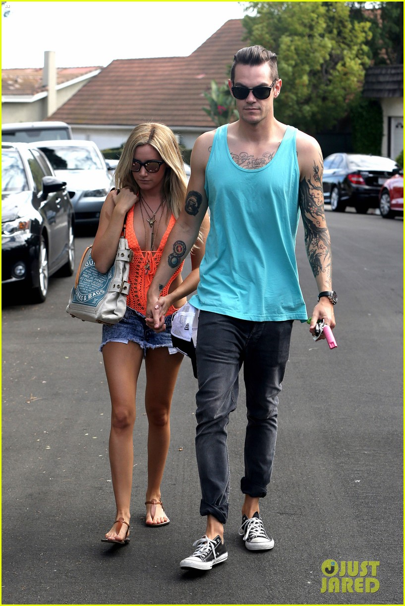 ashley tisdale labor day party with christopher french 122942351