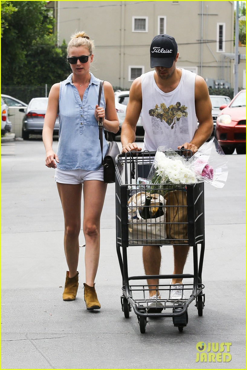 emily vancamp josh bowman get groceries at gelsons 072941476