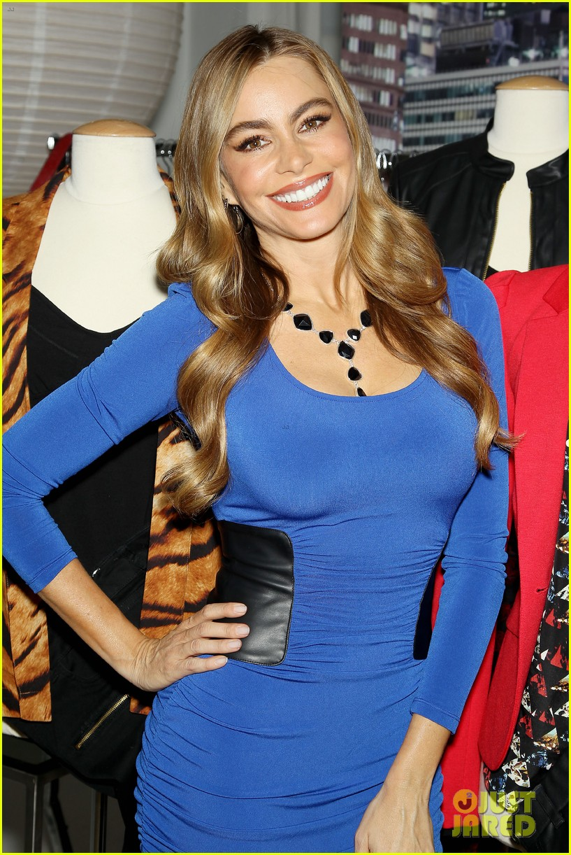 sofia vergara celebrates fall holiday collections for kmart 20