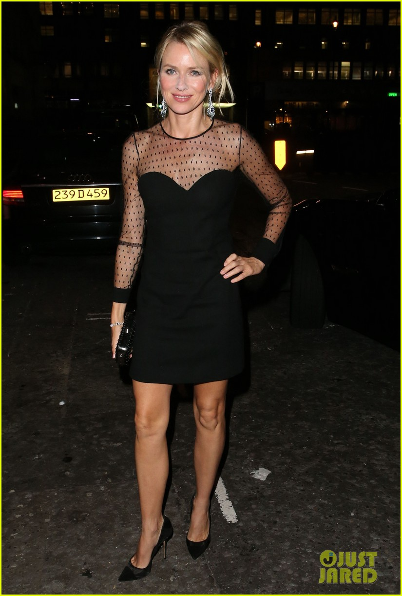 naomi watts switches dresses for diana premiere party 03