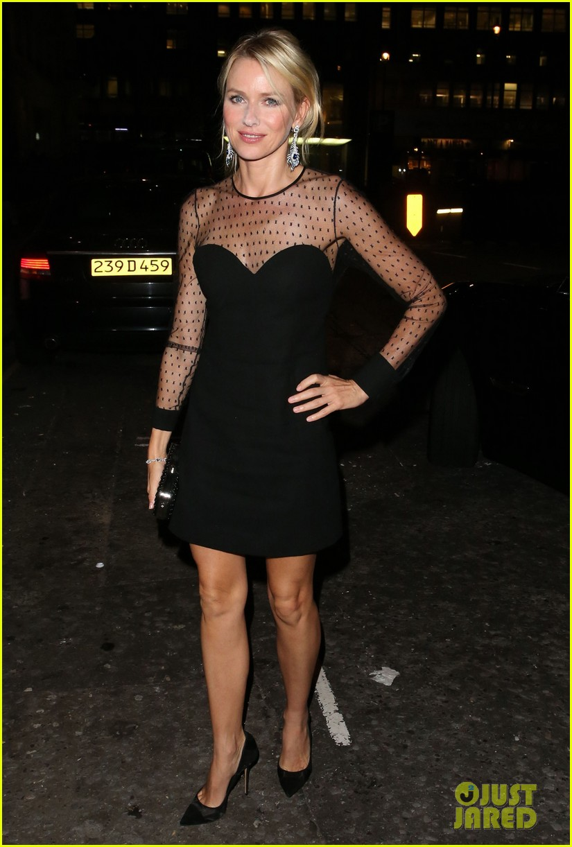 naomi watts switches dresses for diana premiere party 05