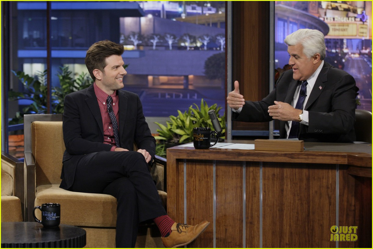 olivia wilde cher lloyd tonight show with jay leno guests 03
