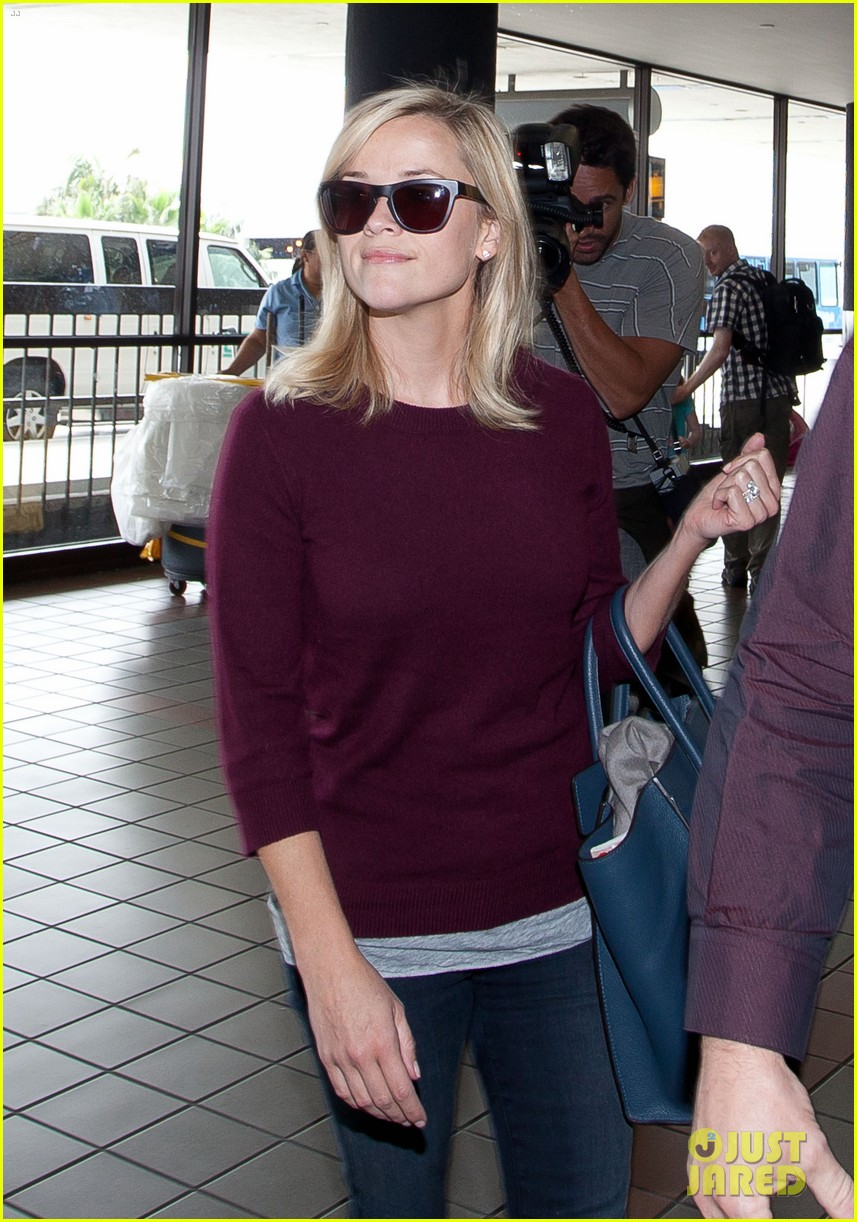 reese witherspoon hits lax after devil's knot tiff premiere 04