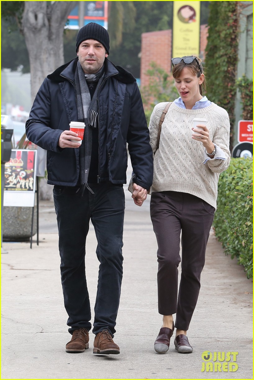 ben affleck jennifer garner hold hands for coffee run 272981403