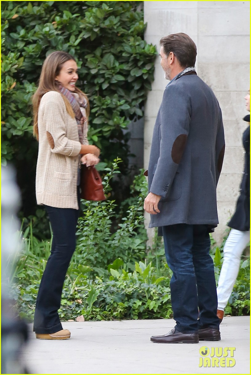 jessica alba passionately kisses pierce brosnan for movie 01