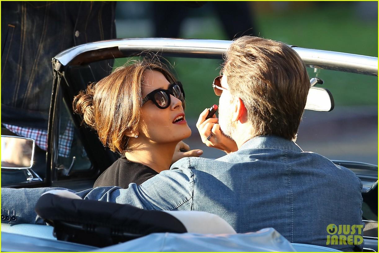 jessica alba passionately kisses pierce brosnan for movie 28