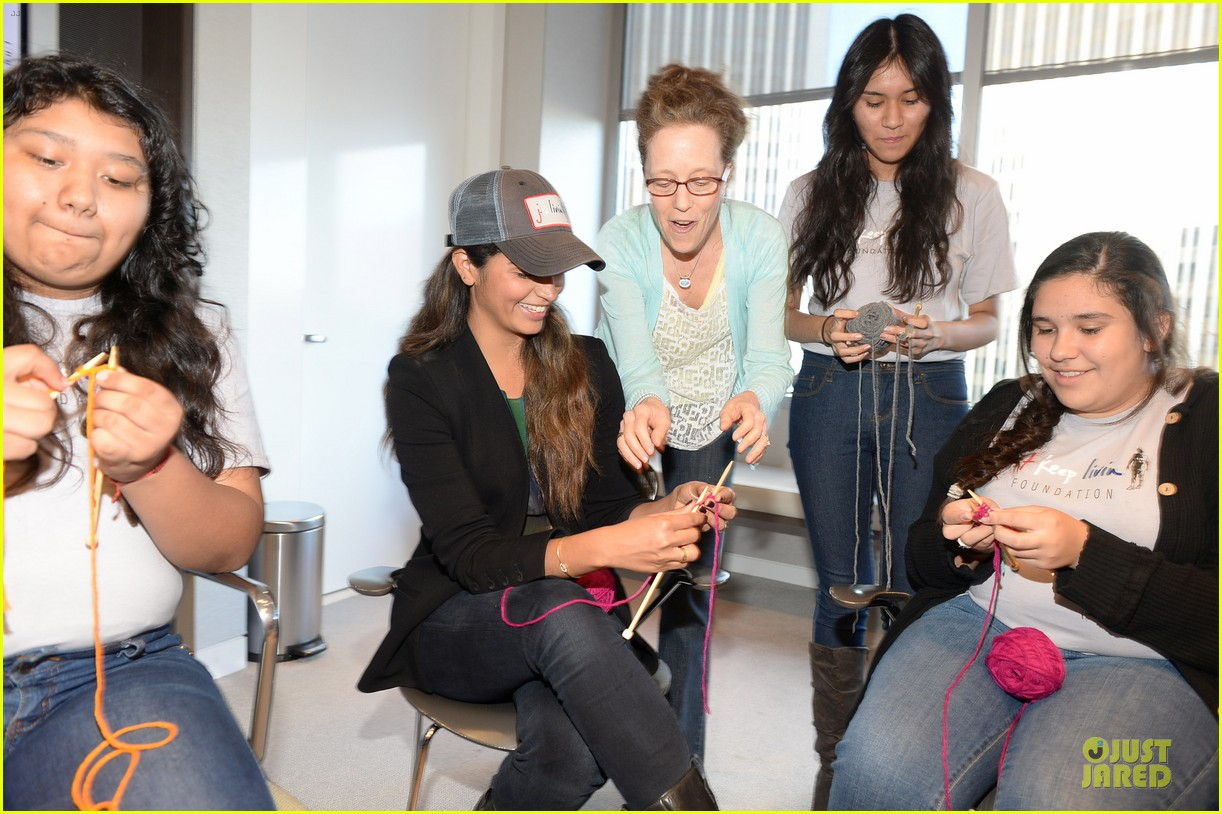 camila alves knits for just keep livin breast cancer awareness 052969236