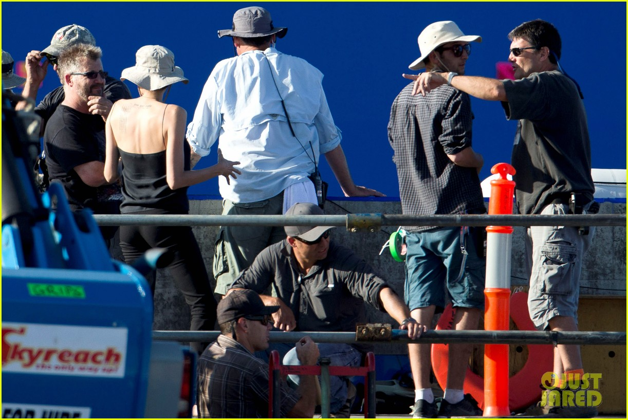 angelina jolie works hard on unbroken set 13