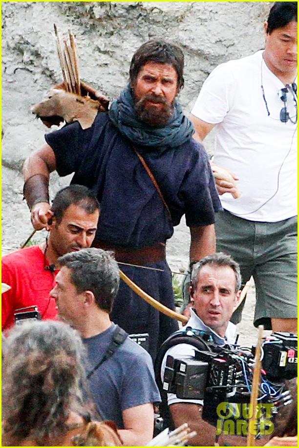 christian bale rocks beard wears tunic for exodus 042977060