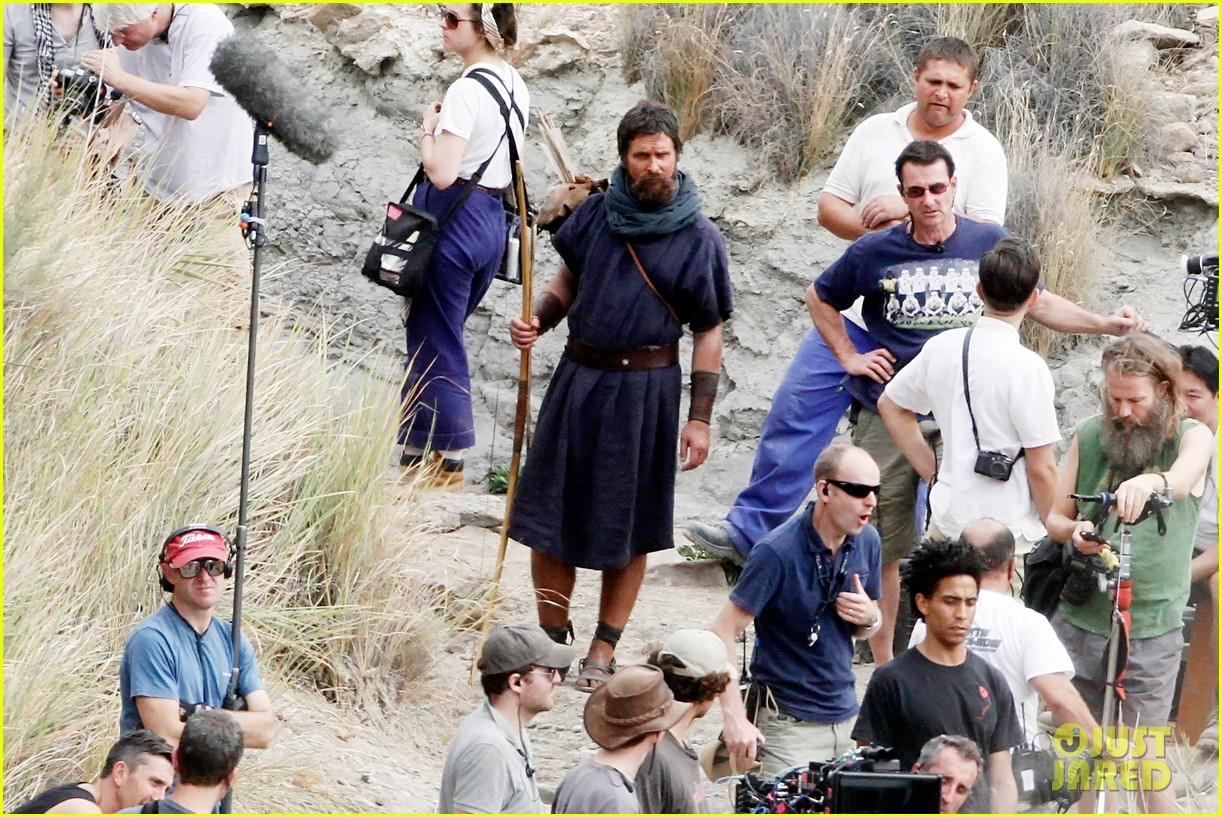 christian bale rocks beard wears tunic for exodus 14