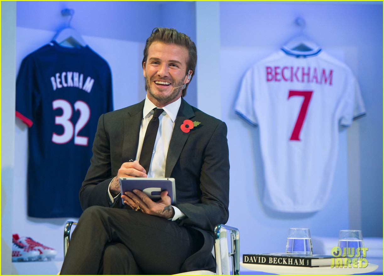 david beckham facebook global book signing 022982938