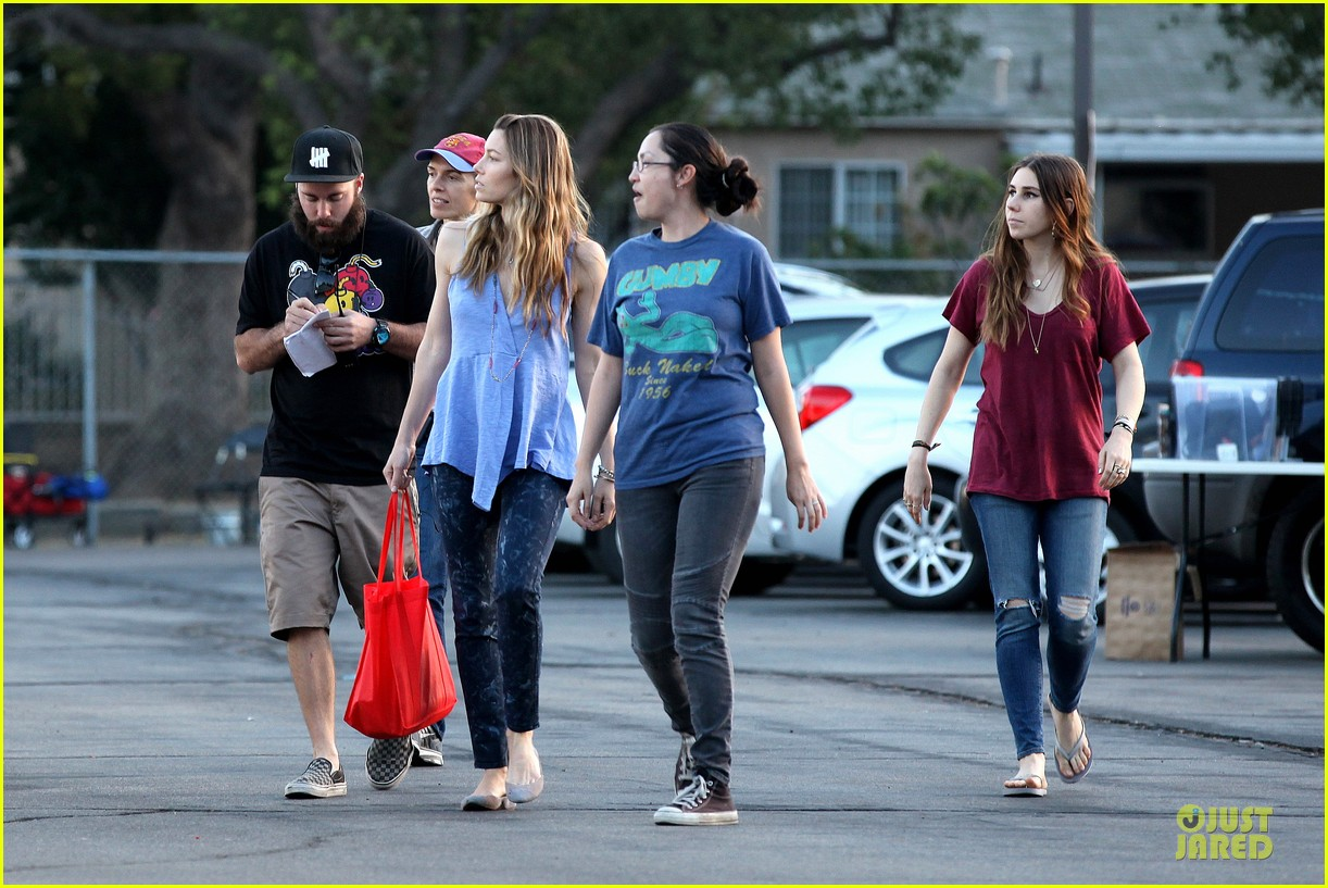 jessica biel zosia mamet car scenes on shiva may set 08