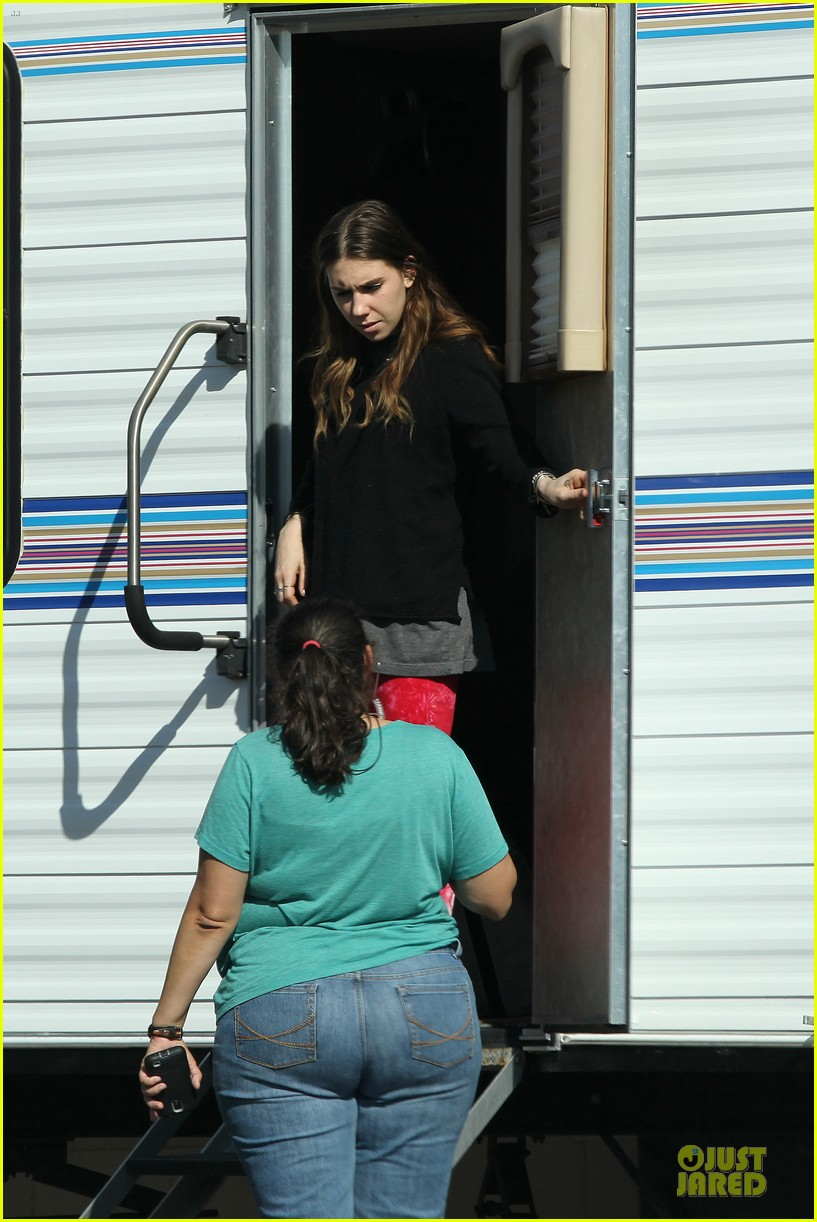 jessica biel zosia mamet car scenes on shiva may set 15