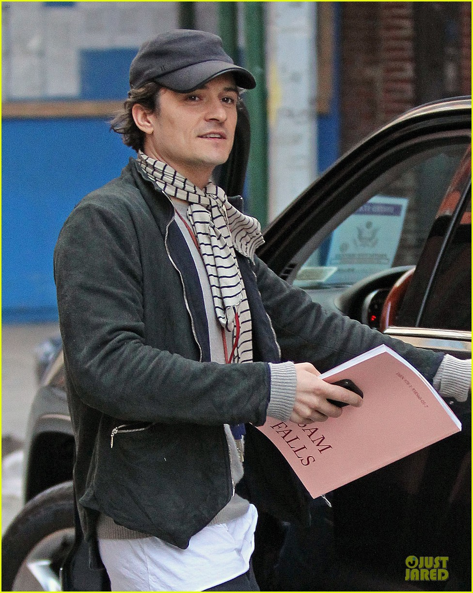 orlando bloom steps out after miranda kerr separation 02