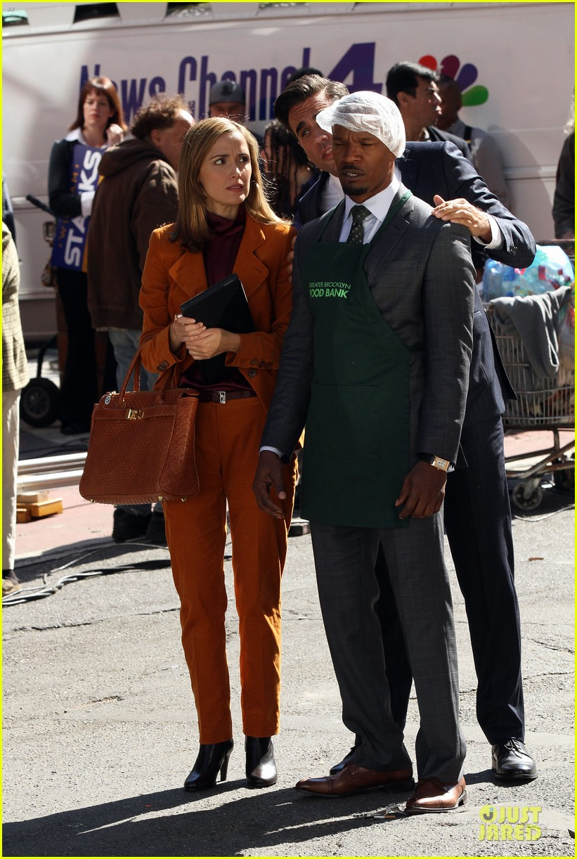 rose byrne bobby cannavale annie set with jamie foxx 09