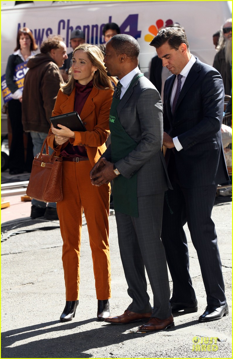 rose byrne bobby cannavale annie set with jamie foxx 11
