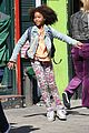 rose byrne quvenzhane wallis film separately on annie set 15