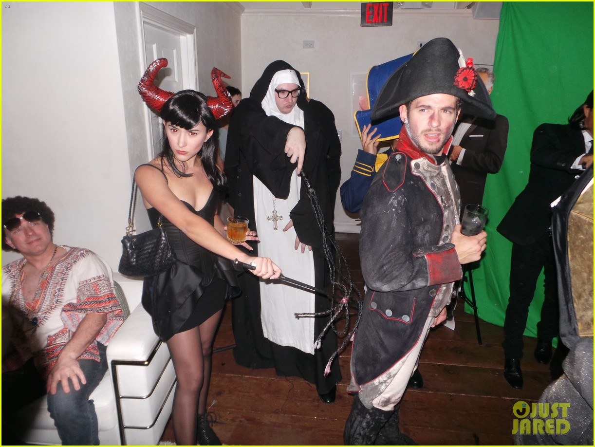 Chace Crawford & Julian Morris: Halloween Party Fun!: Photo ...